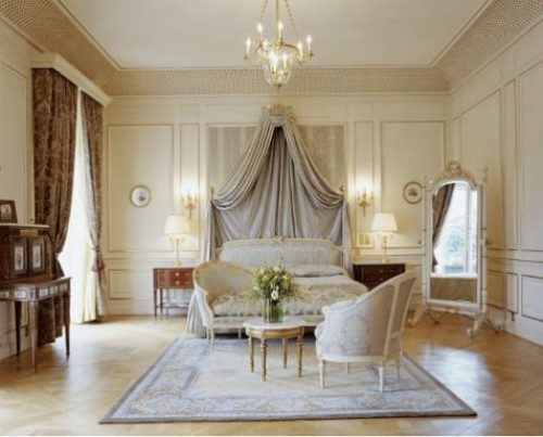 The couple spent their wedding night  in Paris hotel Le Meurice worth 4,000 euros per night