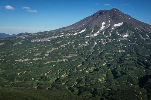 Volcano Zheltovsky - a mysterious place