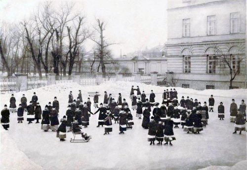 Smolny Institute for Noble Maidens. Winter ice-skating