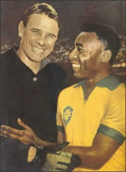 Legendary football players - Soviet goalkeeper Lev Yashin and Brazilian striker Pele
