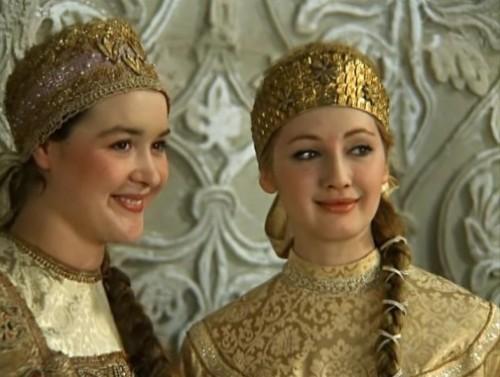 Actresses Larisa Eremina and Lyubov Myshaeva