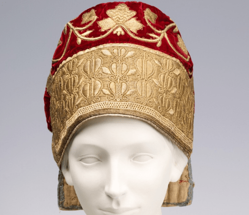 Hat. 19th century. Silk, metal, linen