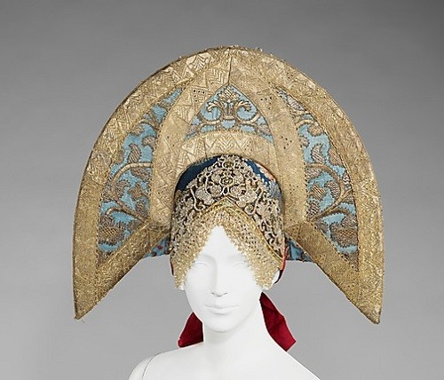 Headdress. Early 19th century. Silk, metal, cotton, paper