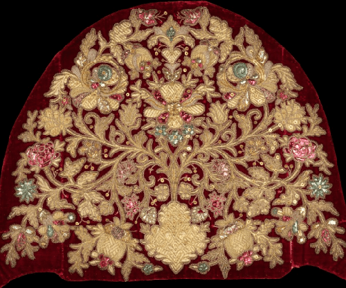 Russian headdress. Date - fourth quarter 18th century. Medium - silk, metal, linen. Brooklyn Museum Costume Collection at The Metropolitan Museum of Art