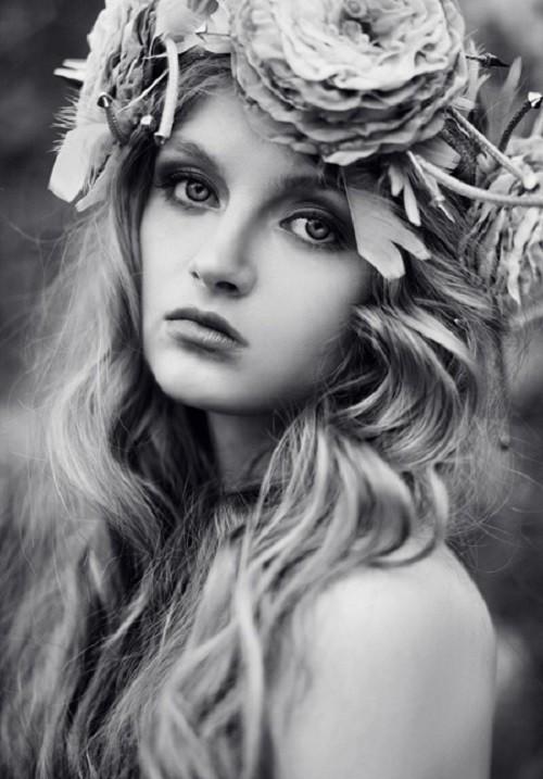 Fallen angel, model Maria Kalinina, stylist Anastasia Khrycheva, photographer Ekaterina Belinskaya
