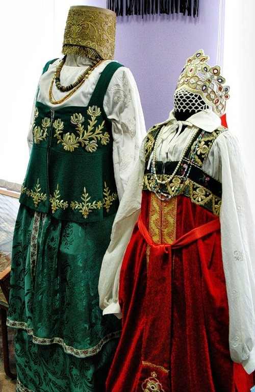 Embroidered folk dresses. The museum of Gold embroidery school in Torzhok