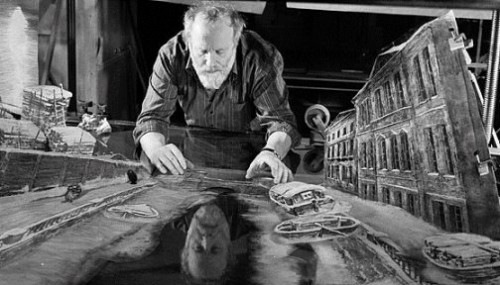 Russian animator Yuriy Norshteyn in his studio