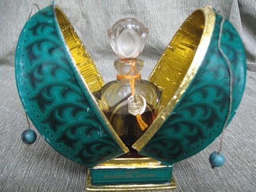 Soviet perfume Stone Flower inspiration