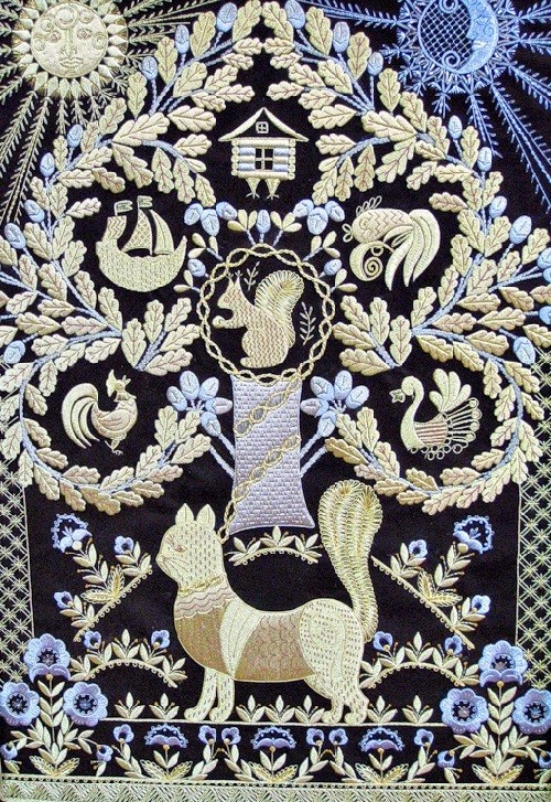 Wise cat. Torzhok gold embroidery