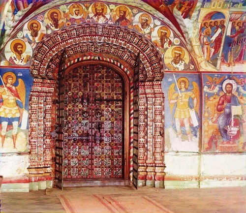 Entrance to the Church of John the Baptist from the gallery (porch). Yaroslavl. 1911. Photo by Prokudin-Gorsky