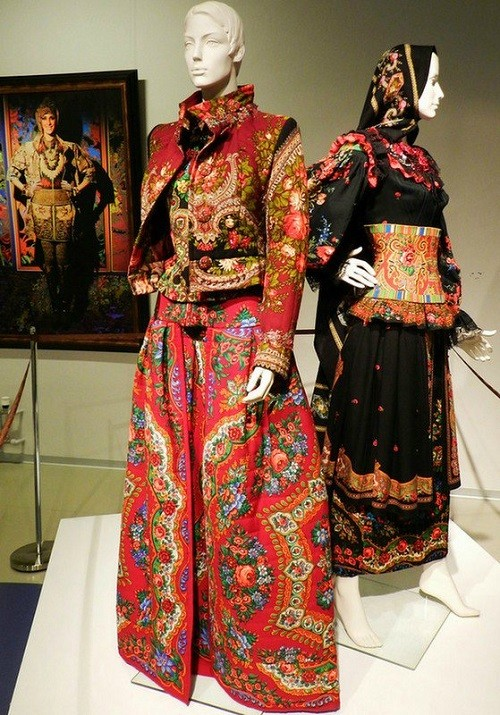 Russian style in Fashion by Russian couturier Vyacheslav Zaitsev