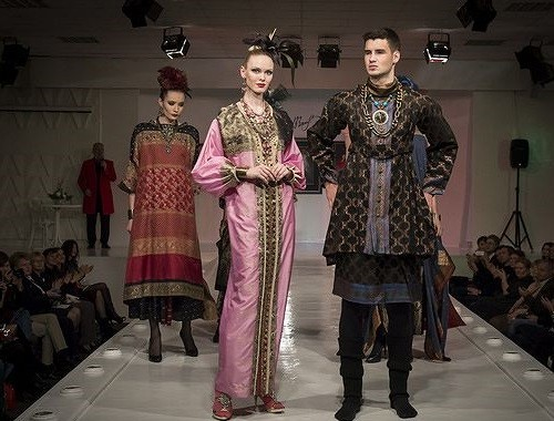 Leitmotif of 2014 old New Year collection Haute Couture became the national costume of the East