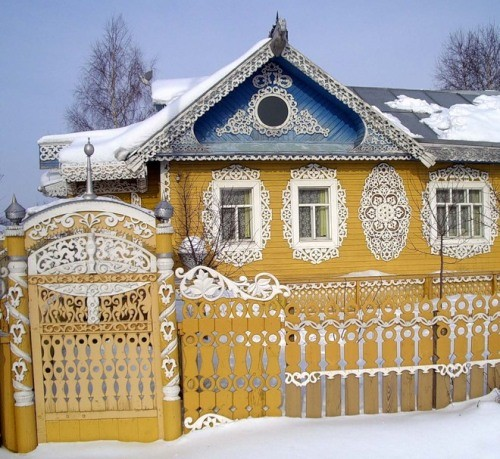Russian house wooden lace
