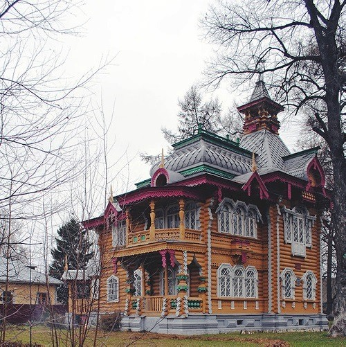 Volodarsk, Wooden lace of Russian architecture