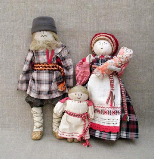 Family, patchwork dolls