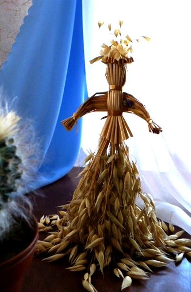 Straw doll. Straw art by Lydiya Retivskaya