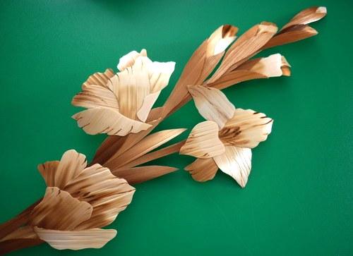 Straw flowers. Straw art by Lydiya Retivskaya