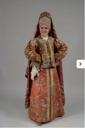 Festive costume. End of the XVIII – beginning of the XIX century.