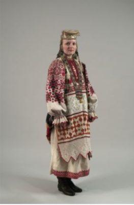 Festive costume of a young woman. 1924. Village Pavlovichi, Bryansk district, Oryol province.