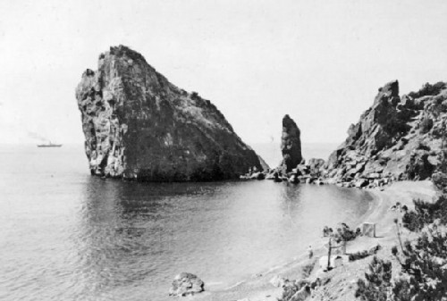 Simeiz. The Rock Diva and the Monk 1905