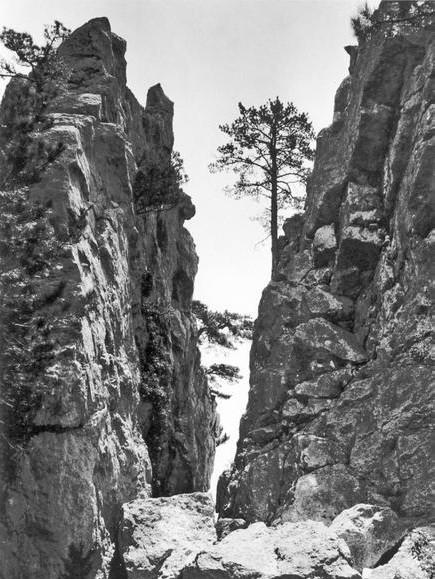 Chaban-Tash gorge near Alupka 1905