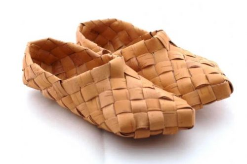 Birch bark footwear Lapti. Natalia Zhidyak. Veliky Ustyug, Vologda region, Russia. Oct 2018