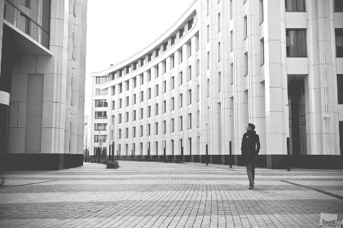 Lonely walk. Photo by Sergei Logvenkov. Moscow