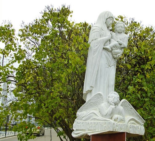 On the way to the monastery - several sculptures. One of them - a statue of Our Lady of Sorrows