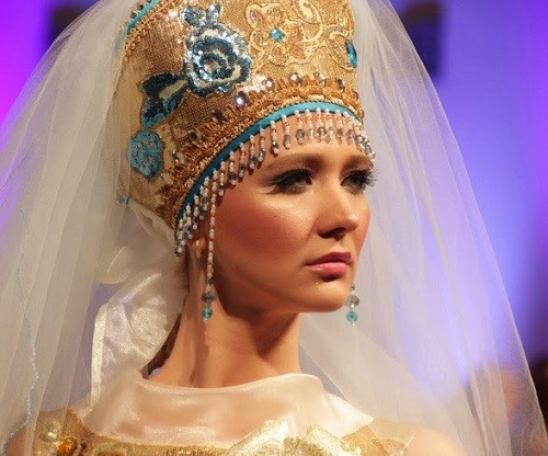 Russian style fashion headgear by Evgenia Luzhina-Salazar