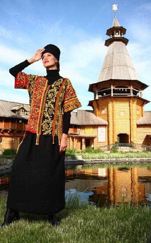 Russian style of dress from Tamar Dobrolyubova