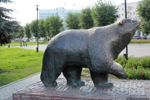 Russian bear. Monument in Perm