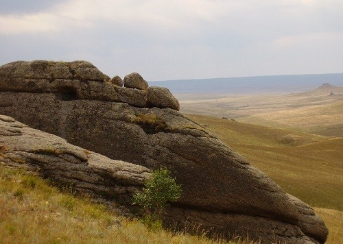 Daurian Steppe greatness. Adon-Chelon - mountain steppe with bizarre granite rocks buttes