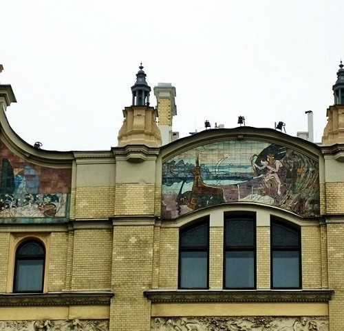 Russian maiolica. Ceramic panels on the hotel Metropol in Moscow