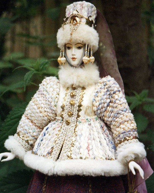 Russian folk costume by doll artist Elena Pelevina