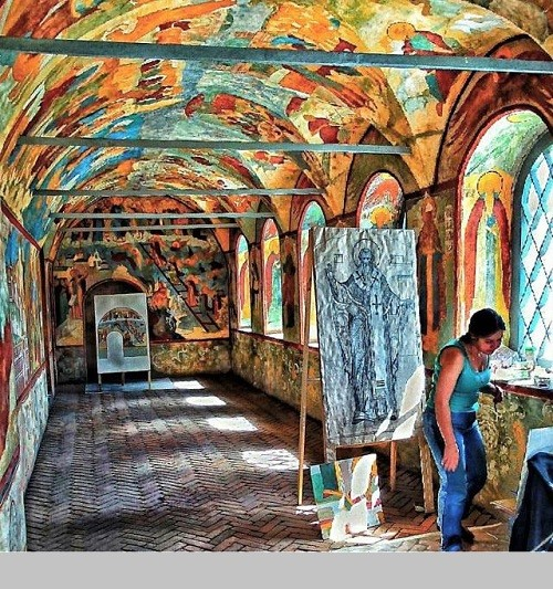 The Rostov Kremlin, the Church of Resurrection, an artist at work