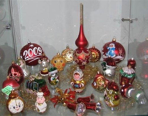 christmas tree decorations in russia 2