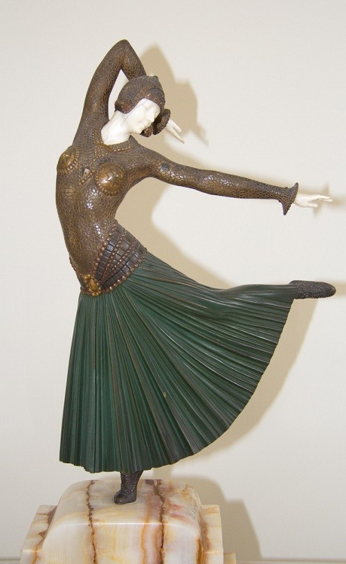 Inspired by Russian seasons ballet sculpture by Demetre Chiparus