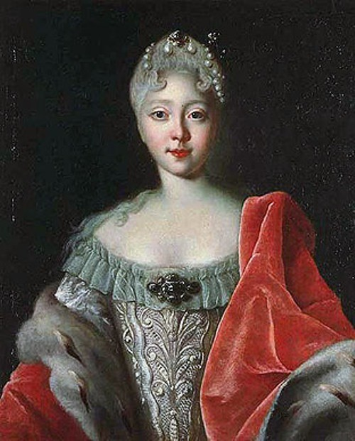 Portrait of a young Elizabeth. Empress Elizabeth Couture of Power. Louis Caravaque, 1720s