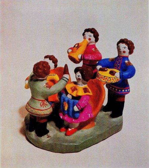 MUSICIANS. 1964. The town of Kirov. Made by Z. F. Bezdenezhnykh (1901-1964). Red clay, painted. Russian Traditional Folk Clay Toys