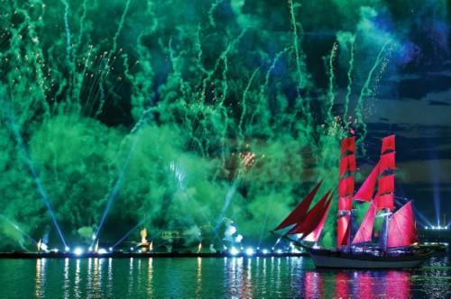 Famous Scarlet sales celebration in Saint Petersburg