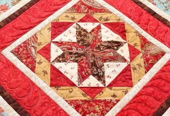 Quilted blanket Red hill with hoarfrost. Master JuLiDo (Julia Dotsenko). Nizhny Novgorod