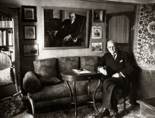 Estate Muranovo. N.I. Tyutchev in his office in the museum against the background of a portrait painted by M.V. Nesterov. Photo by V. Molchanov