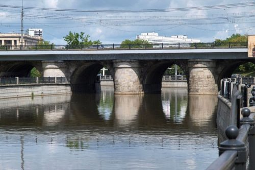 Lefortovo bridge. The most beautiful bridges in Moscow