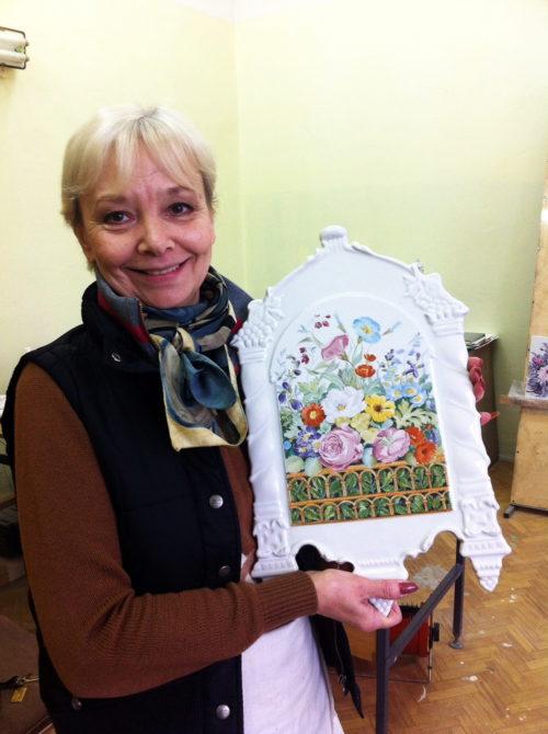 Tatyana Khazova with a painting