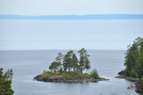 The endless expanses of Ladoga and the continental coast on the horizon