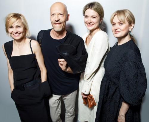 Ingeborga Dapkunaite, Fyodor Bondarchuk, Nadezhda and Anna Mikhalkov