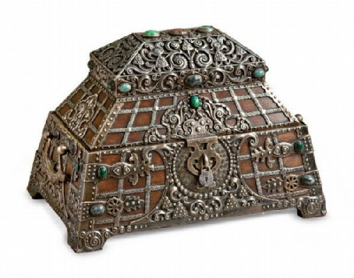 An oak jewelry box, trimmed with silver and precious stones, in the style of a tower of the 16th-17th centuries. The lid has a secret compartment, the inner part is upholstered with fabric lining. Ovchinnikov, Moscow, 1908-1917