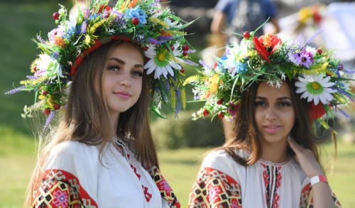 Girls during the holiday of Ivan Kupala. Why did Slavic girls braid their hair?