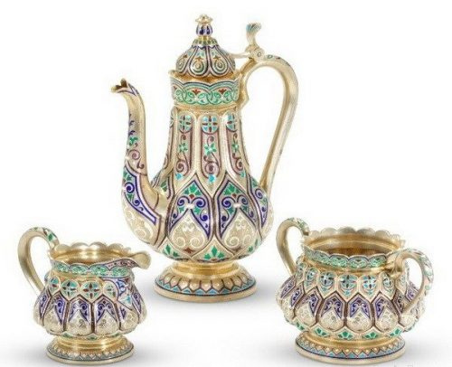Silver gilded coffee service decorated with cloisonné enamel (height 22 cm), Antip Kuzmichev, Moscow, 1899-1908, sold by Tiffany & Co.