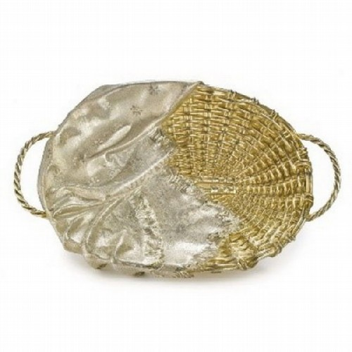 Silver gilded dish in Trompe L'oeil style in the form of a vine basket with a napkin. Ovchinnikov, Moscow, 1870
